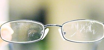 8 tips for keeping your glasses scratch and smudge free